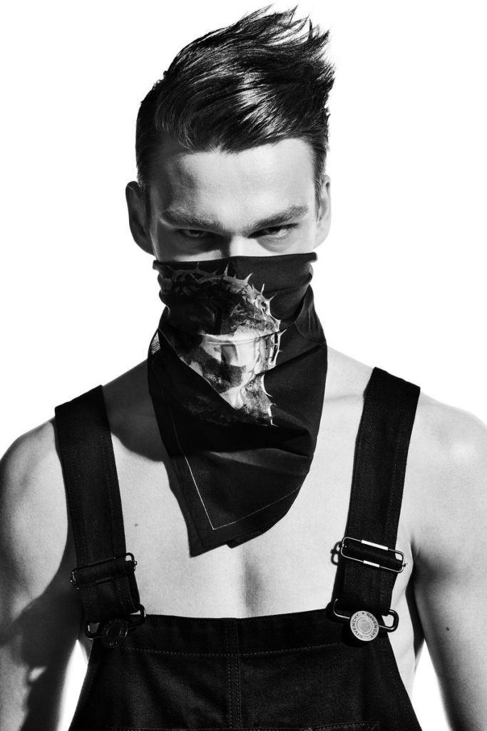 Filip-Hrivnak-Emma-magazine-Givenchy-editorial-010